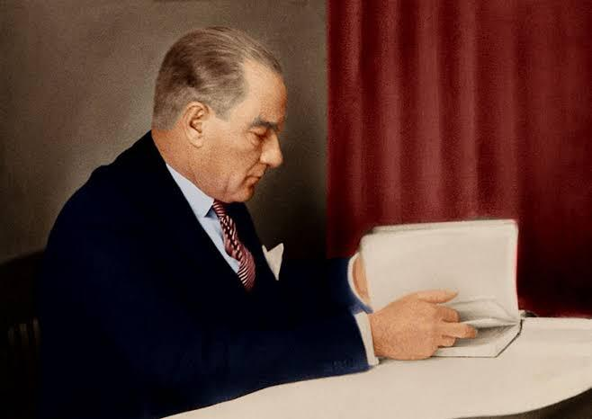 Atatürk'ün Her Türk Gencinin Okumasını Önerdiği 5 Kitap